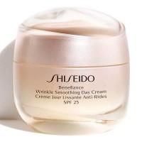 Shiseido Benefiance Wrinkle Smoothing Day Cream SPF 25 - SHISEIDO. Comprar al Mejor Precio y leer opiniones
