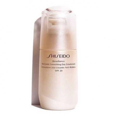Wrinkle Smoothing Day Emulsion SPF20 SHISEIDO - SHISEIDO. Perfumes Paris